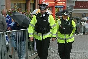 Ce poate si ce nu poate face politia in Anglia? (Partea 1)