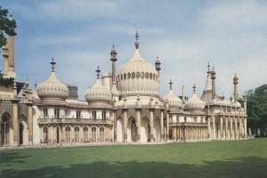 Brighton - o statiune nu numai de nudisti si gay