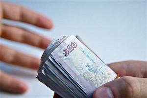 Salariile minime si maxime: in ce domeniu iti convine sa lucrezi in Marea Britanie?