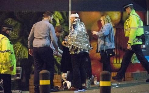 EXPLOZIE pe Manchester Arena: cel putin 19 morti si 50 de raniti!