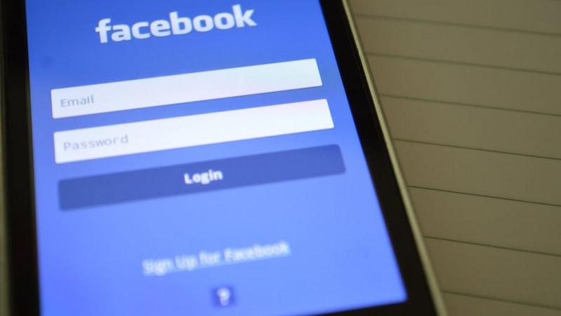 Facebook face angajari in Londra!