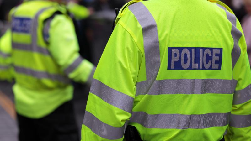 Polițist înjunghiat de mai multe ori cu o macetă în Leyton