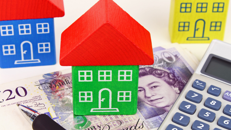 Impozitul pe venit și asigurările sociale în Marea Britanie au ajuns la un nivel istoric.  Cine plătește nota?