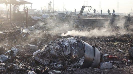 Iranul recunoaște că a doborât avionul Ucrainean!