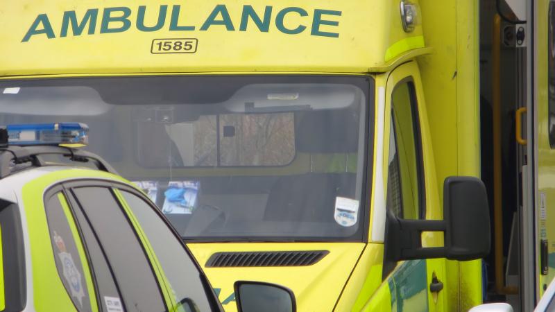 O ambulanță aeriană a aterizat în Daubeney Fields pentru victima unui atac cu un cuțit!