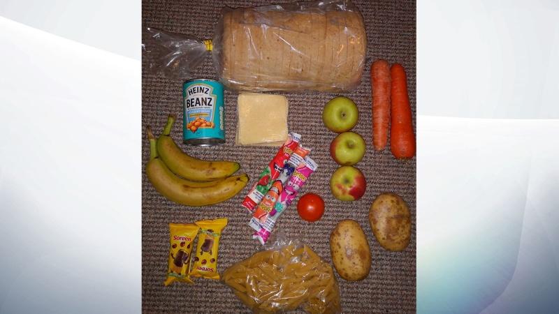 Investigație la o firmă după ce a oferit coșuri cu mâncare de la școală la suprapreț