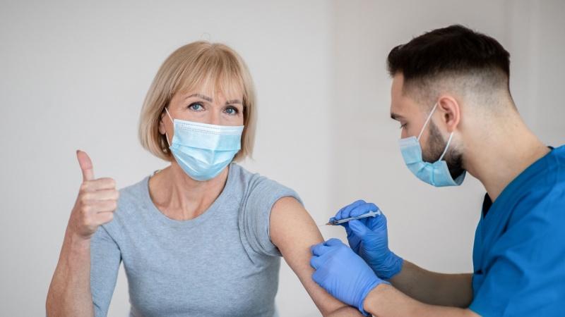Vaccinul contra Coronavirusului administrat la 5,5 milioane de oameni din Anglia