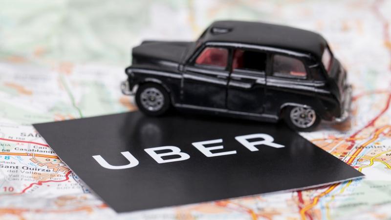 Uber va angaja încă 20.000 de șoferi britanici!