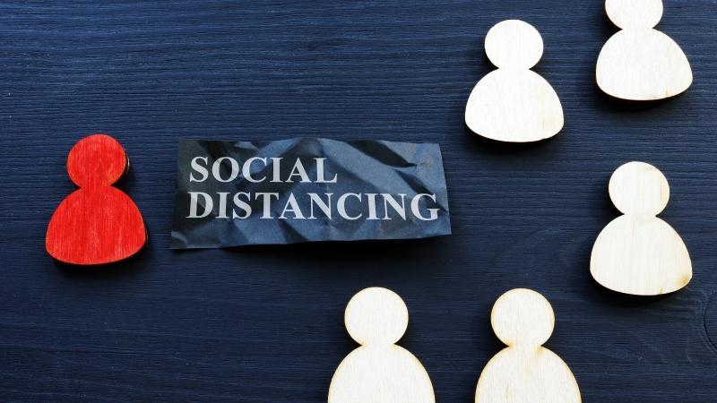 Marea Britanie este pe cale să renunțe la regulile de distanțare socială!