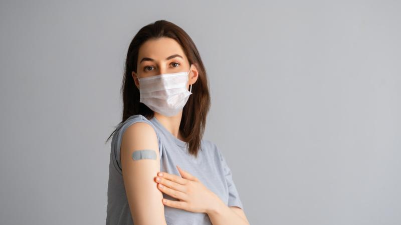 Vaccinurile Covid sunt oferite oamenilor de 38 și 39 de ani din Anglia!