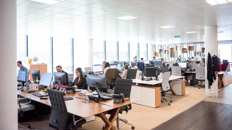 UK: Săptămâna de cinci zile la birou va fi o normalitate!