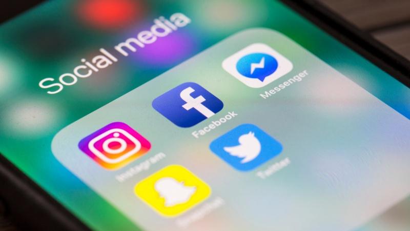 Marea Britanie va încerca controlarea mesajelor rasiste de pe rețelele sociale