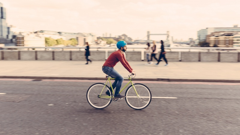 Guvernul britanic va investi 338 de milioane de lire sterline pentru a stimula ciclismul!