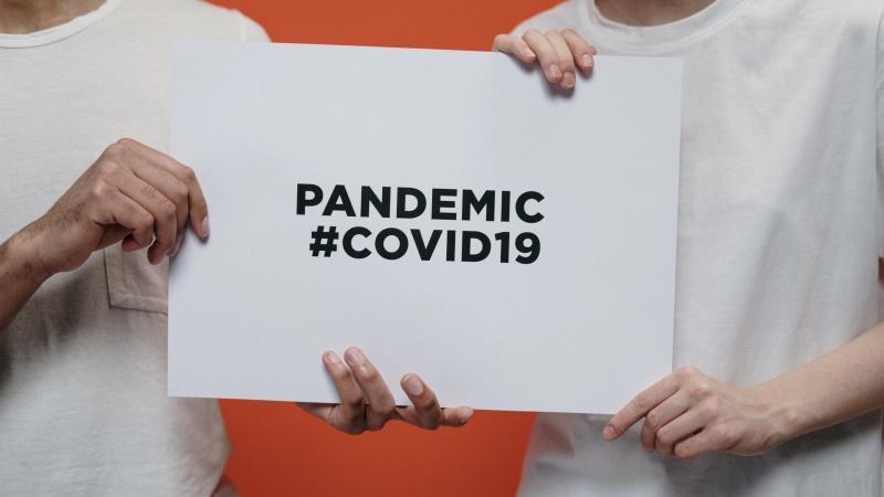 8,339 de pacienți internați cu Covid și alte 158 de decese legate de acest virus