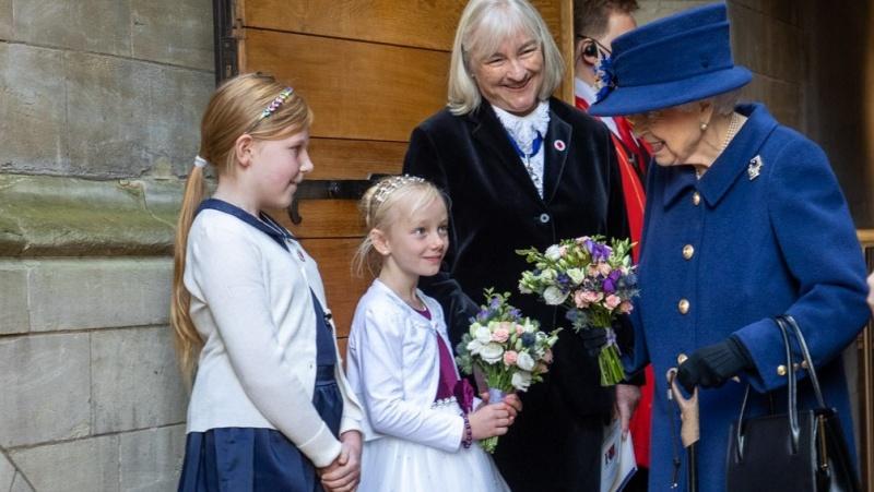 Cum a apărut Regina Elisabeta a II-a în public? N-a mai fost văzută așa din 2004...
